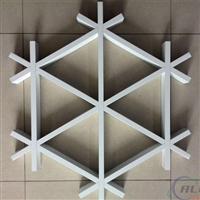 三角形铝格栅吊顶效果