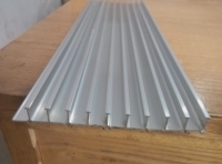 加工电暖器铝型材