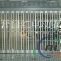 深圳水晶折叠门、水晶卷闸门