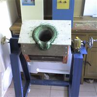 供应中频熔铝炉,高效熔铝炉