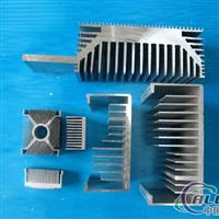 供应大型挤压机生产大截面工业型材